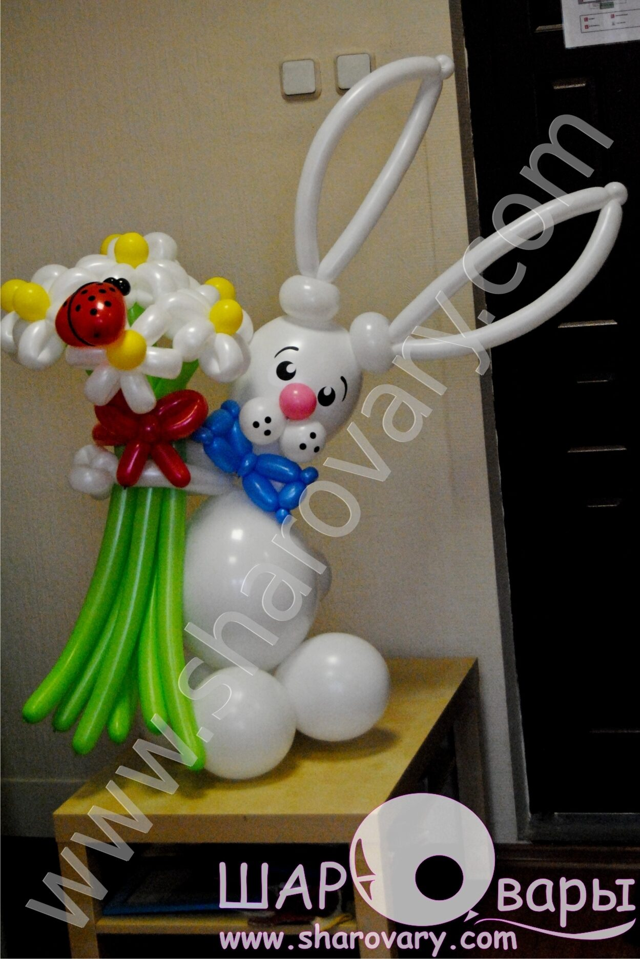 Заяц из шаров фото 6